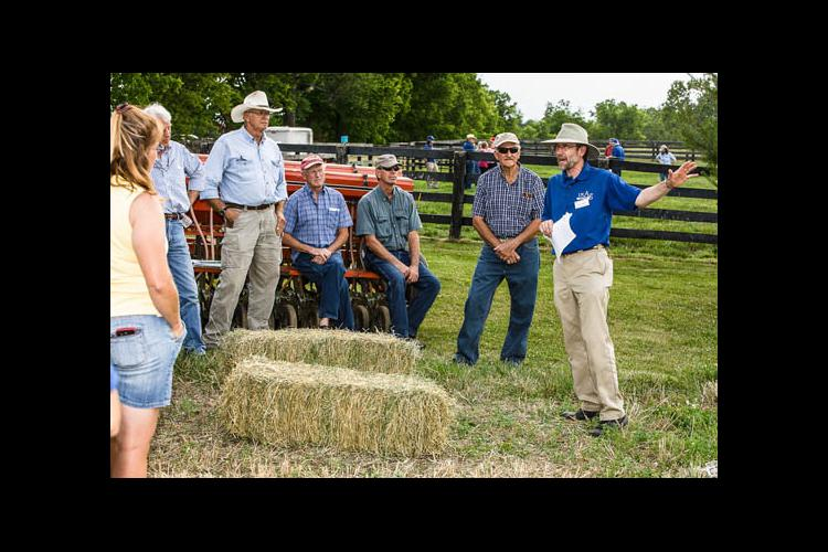 Ray Smith talks to participants at the 2012 UK Equine Farm and Facilities Expo.