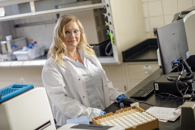 Tiffany Messer in her lab. Photo by Matt Barton, UK agricultural communications.
