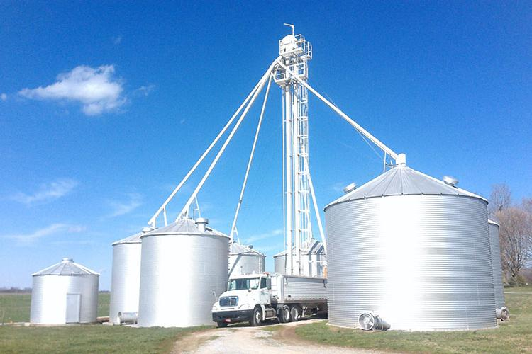 Following proper safety measures in and around grain bins is vital to keeping everyone involved in a grain operation safe and healthy. Photo by Sam McNeill, UK agricultural engineer.