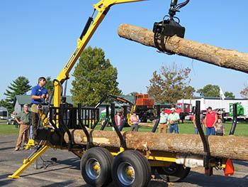 Demonstration of small-scale logging at the 2017 Wood Expo. Photo by Reneé Williams