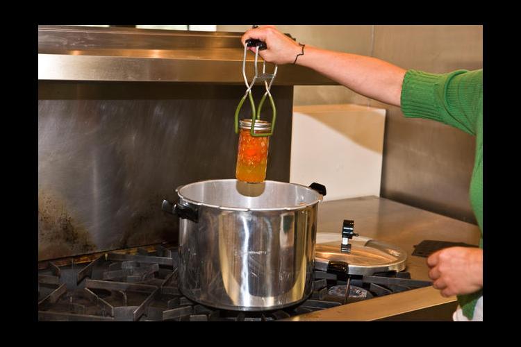 Canning vegetables demonstration
