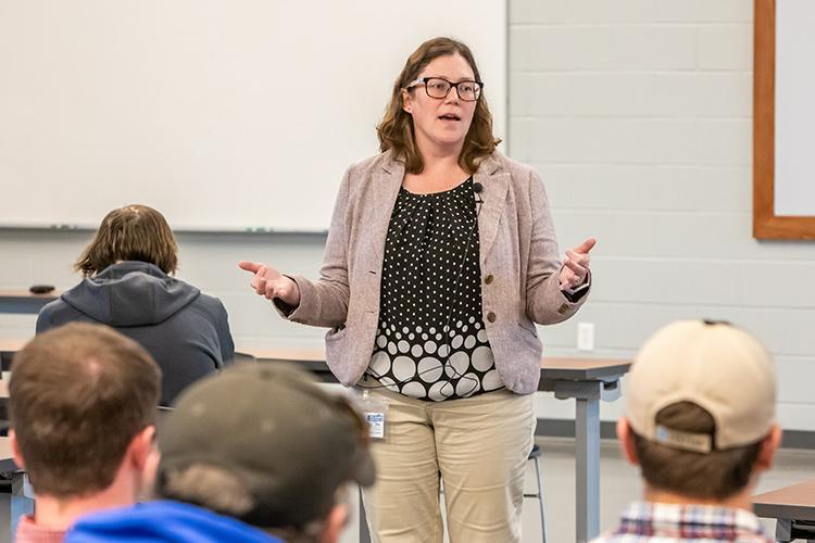 Carrie Knott, the new director of the UK Research and Education Center, speaks to producers in a training held earlier this year, prior to the COVID-19 pandemic. Photo by Steve Patton, UK agricultural communications.