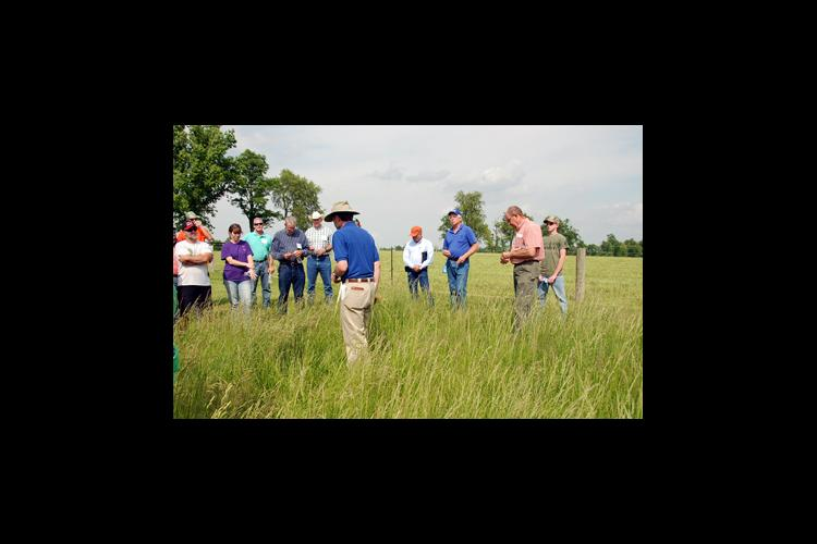 UK forage extension specialist Ray Smith conducts a presentation during the 2014 Kentucky Grazing School.
